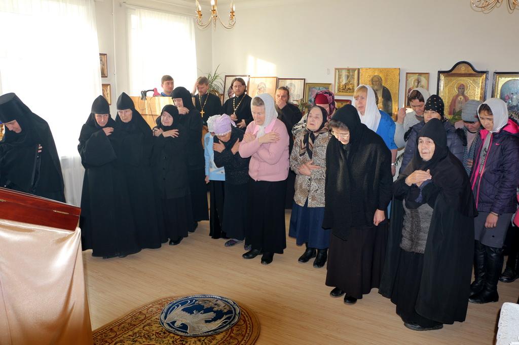 poslushnitsi-v-tolgskom-monastire-foto